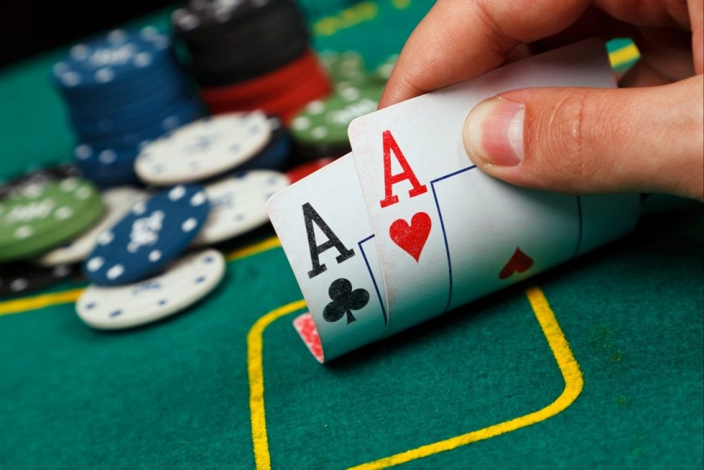 What is the simple secret in becoming a successful gambler