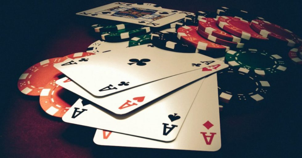 A Simple Guide to Know Your Way through Playing Online Poker